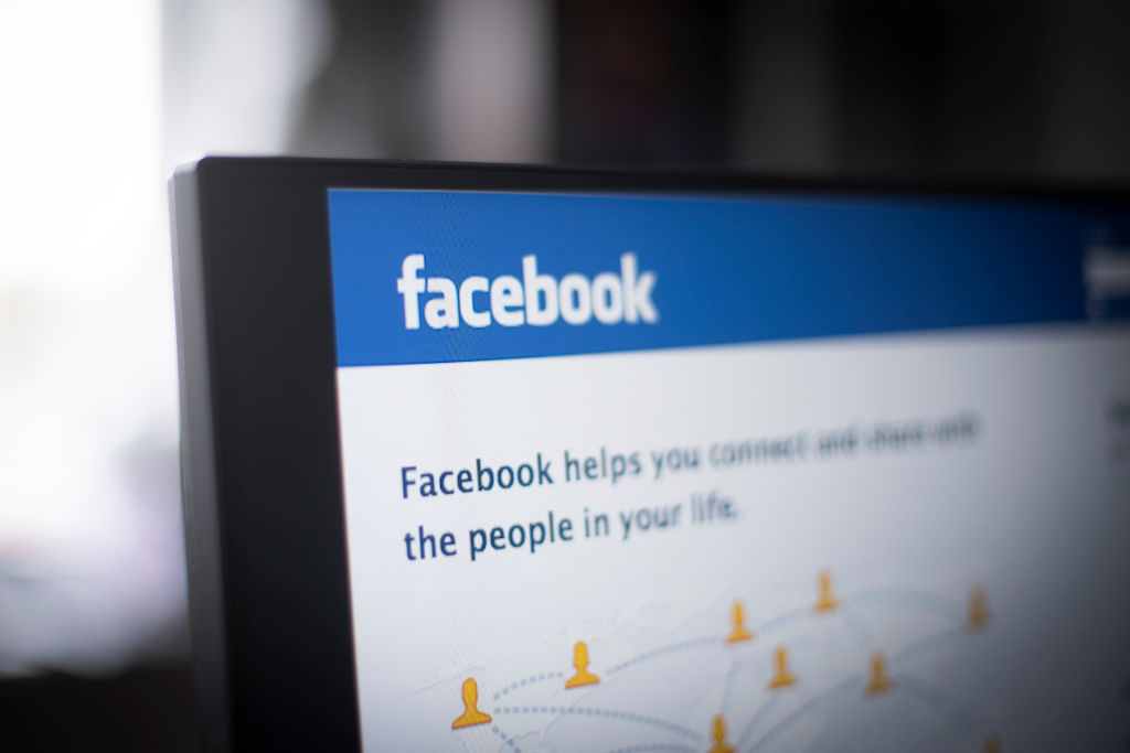 Facebook and Instagram are experiencing technical difficulties on March 13, 2019 on their sites that are impacting users worldwide.