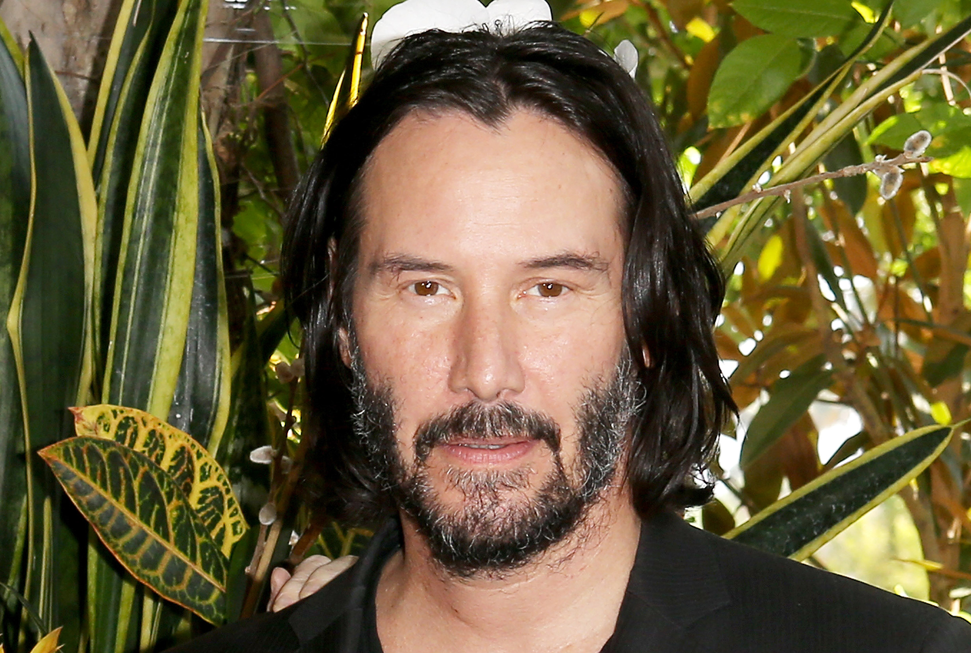 Keanu Reeves Befriends Fellow Grounded Flight Passengers Time