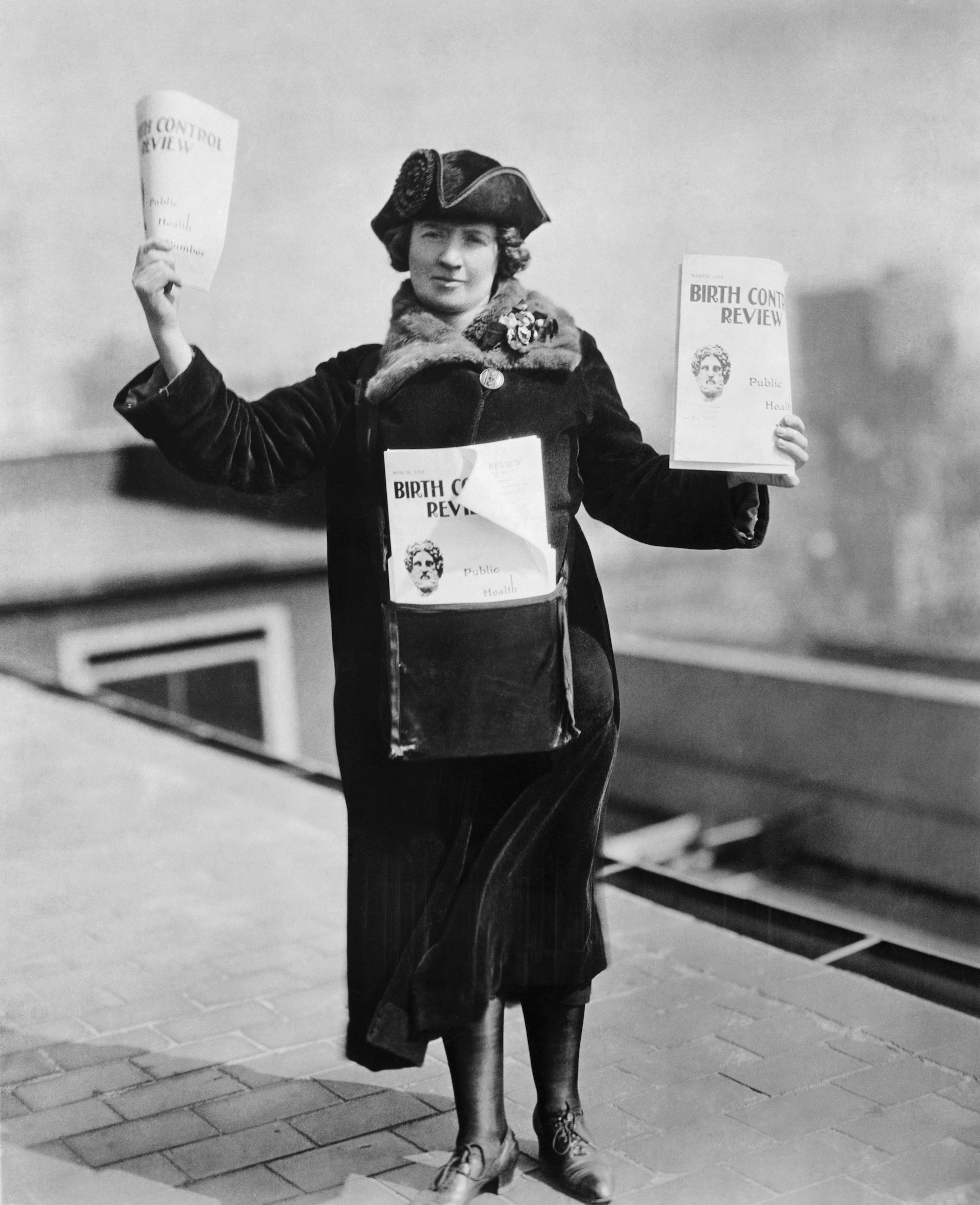 Kitty Marion ready to sell the Birth Control Review in the streets of New York, 1915.