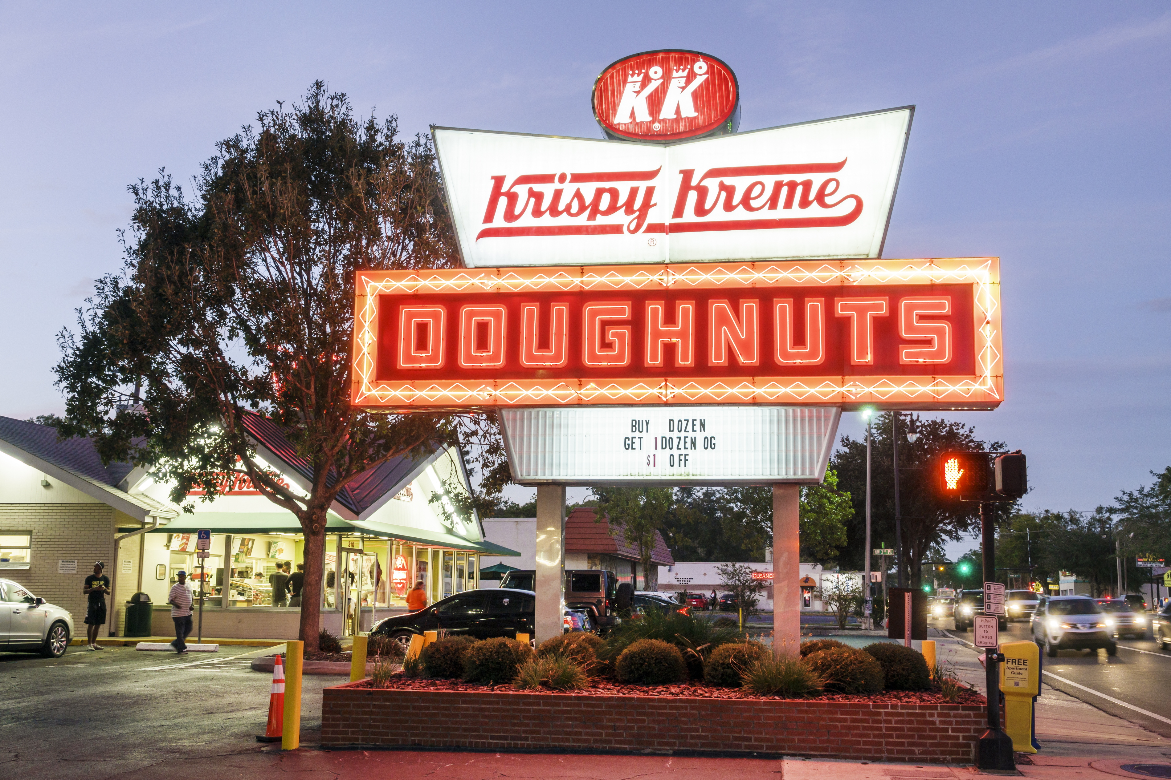 Gainesville, Krispy Kreme Doughnuts. (Photo by: Jeffrey Greenberg/UIG via Getty Images)