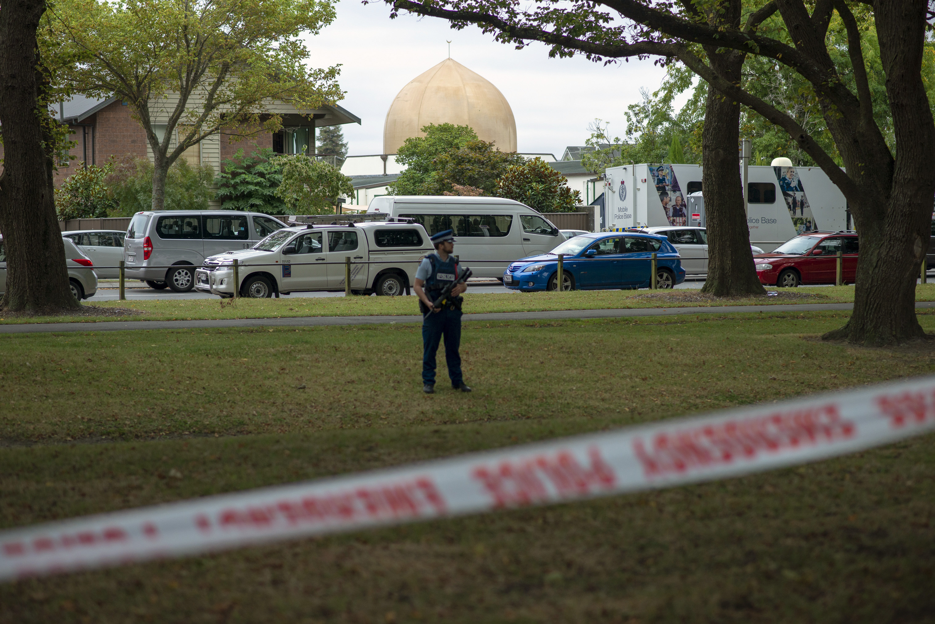 A police officer stands guard in front of the Masjid Al Noor mosque on March 18, 2019 in Christchurch, New Zealand, where one of the two mass shootings occurred on March 15, 2019.