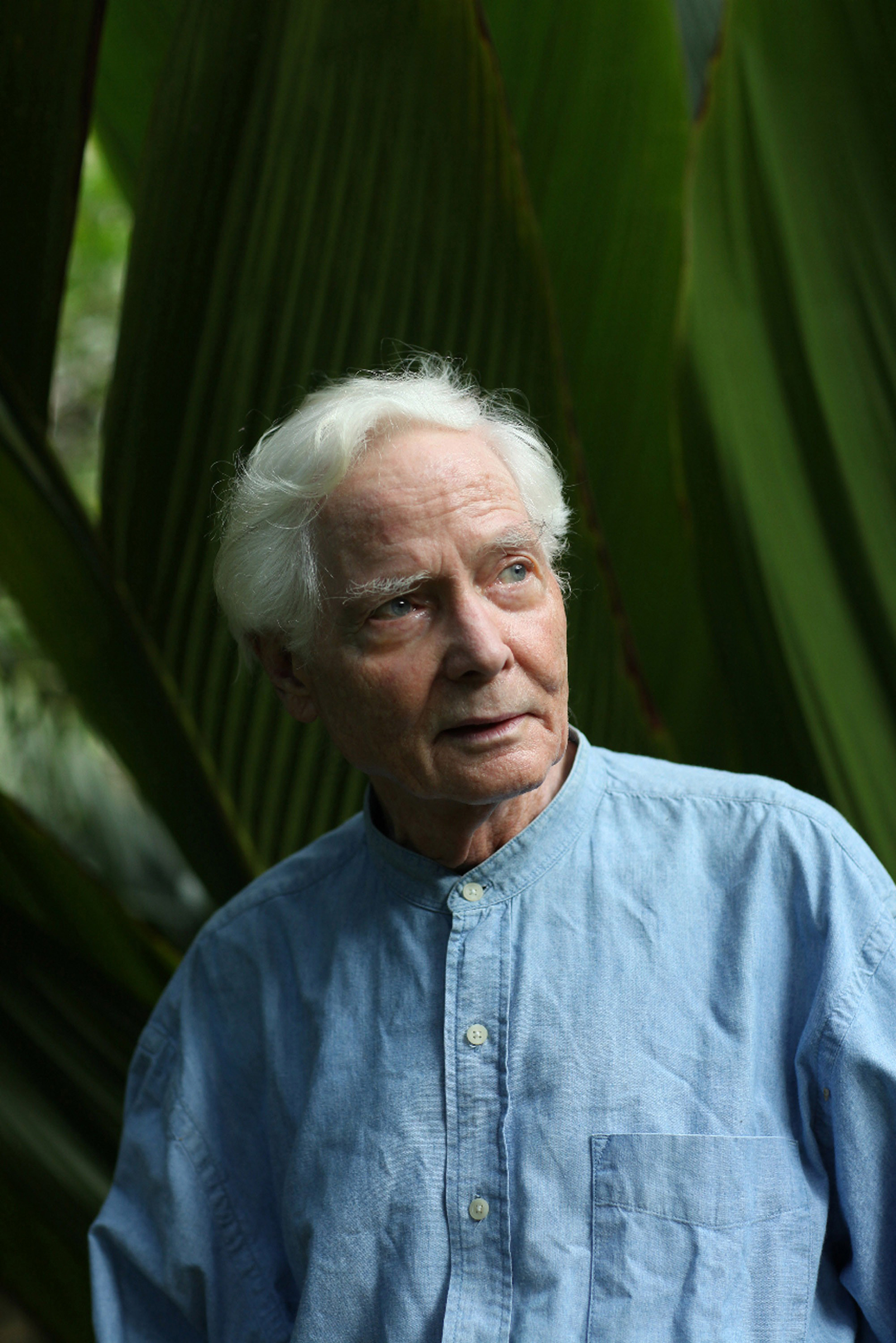Merwin at his home, a palm-tree preserve in                 Hawaii, in 2010