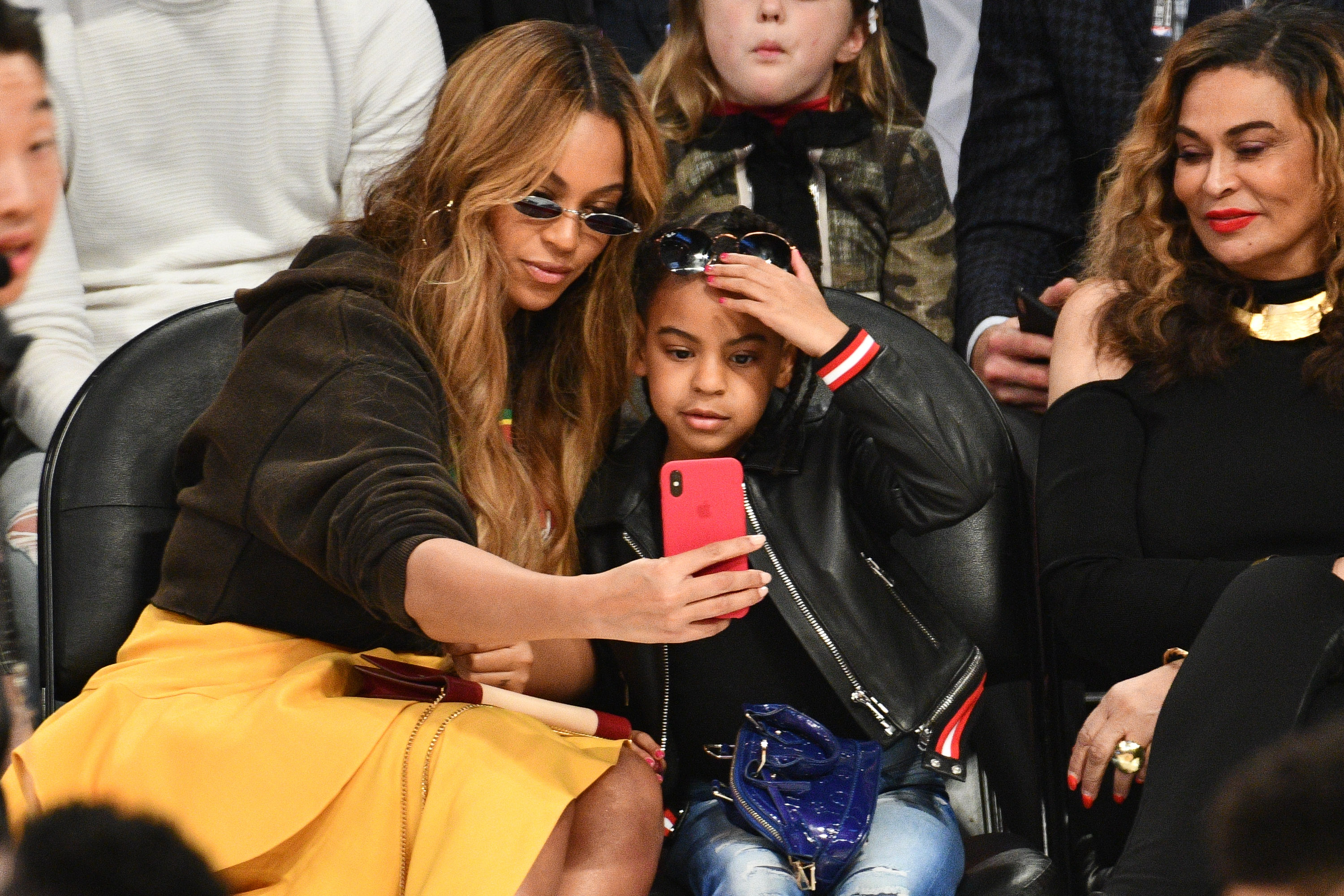 Beyonce and Blue Ivy Carter attend The 67th NBA All-Star Game: Team LeBron Vs. Team Stephen at Staples Center on February 18, 2018 in Los Angeles, California.  (Photo by Allen Berezovsky/Getty Images)