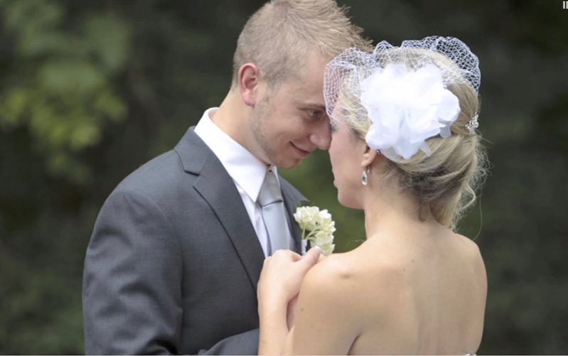Kyle and Chelsea Froelich on their wedding day in 2013.