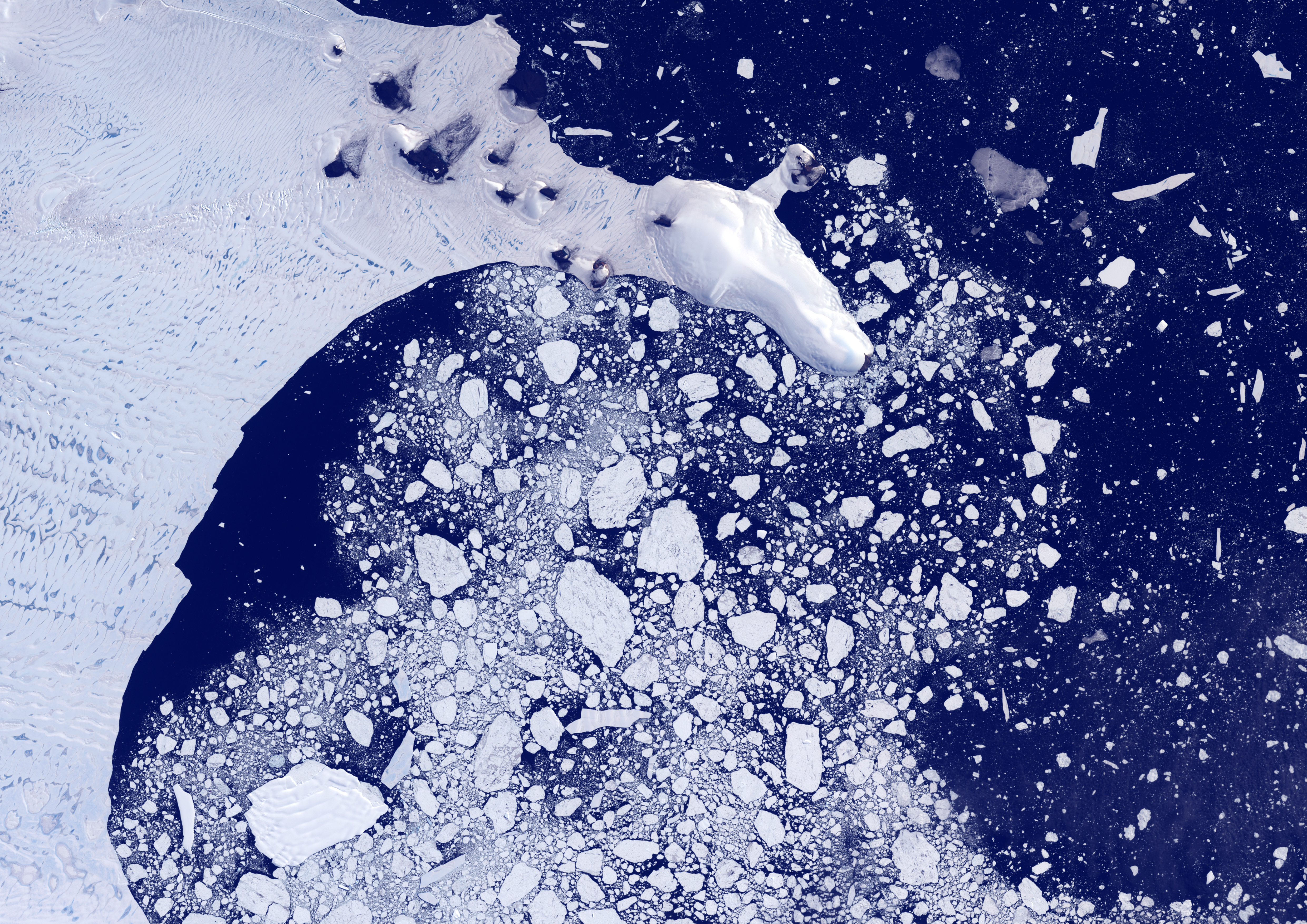 Weddel Sea, Antarctica, true colour satellite image. Pack ice melting in spring time in the Weddel Sea, East of the Antarctica peninsula. Image taken on 21 February 2000 using LANDSAT data., Weddell Sea, Antarctica, True Colour Satellite Image (Photo by Planet Observer/Universal Images Group via Getty Images)