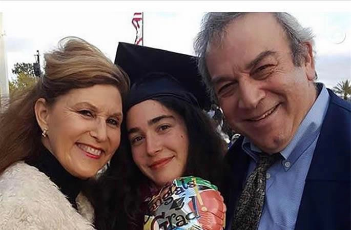 Lori Kaye, 60, is pictured here with her daughter and husband.