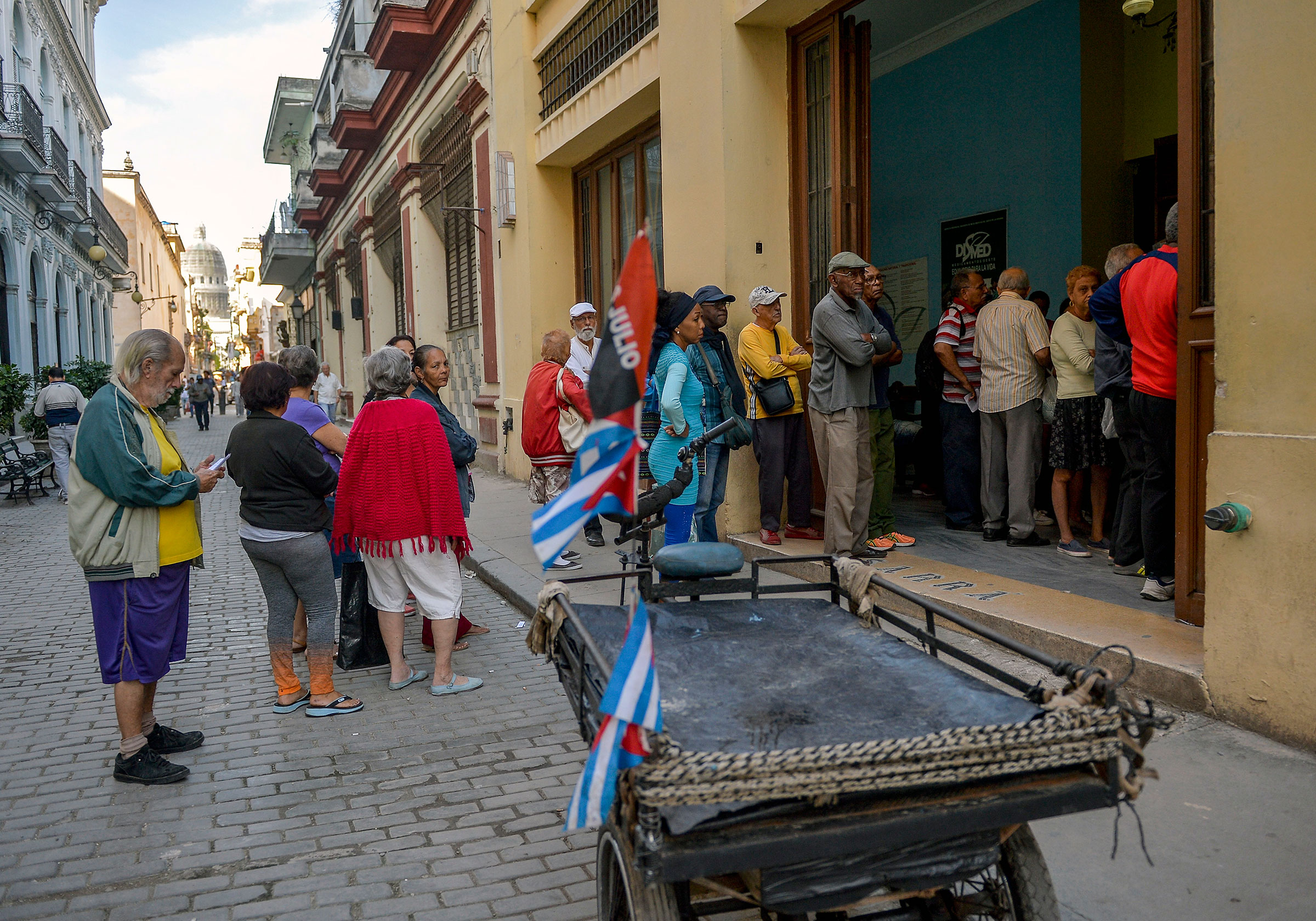 Cubans line up to buy food in Havana, on April 4, 2019.