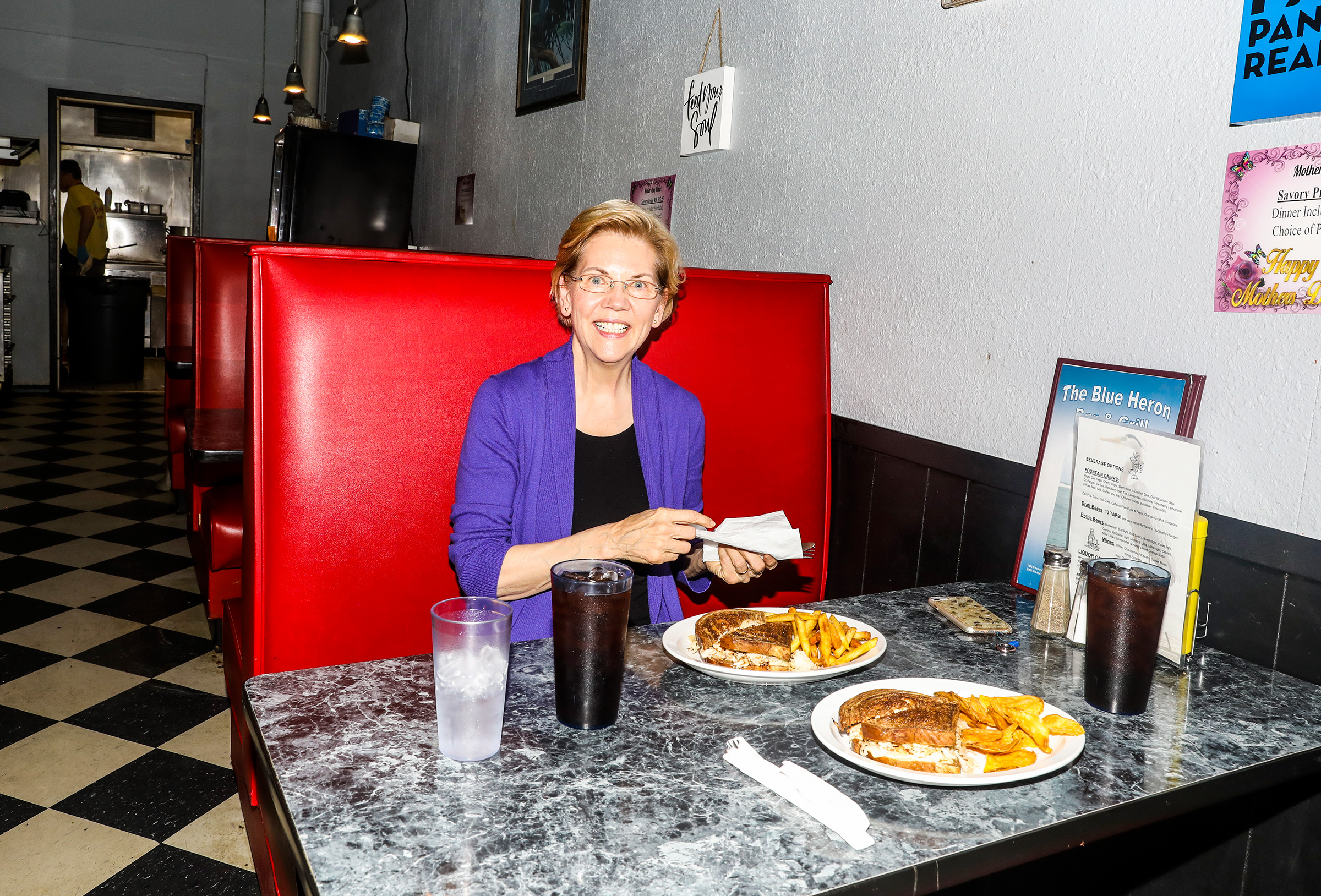 Warren stops for lunch at The Blue Heron in Mason City on May 4.