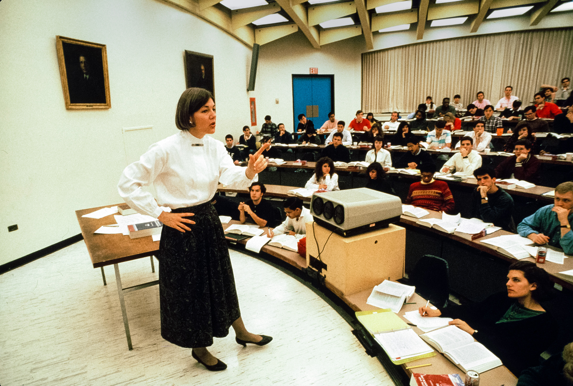 Warren teaching at the University of Pennsylvania Law School in Philadelphia in the early 1990s.