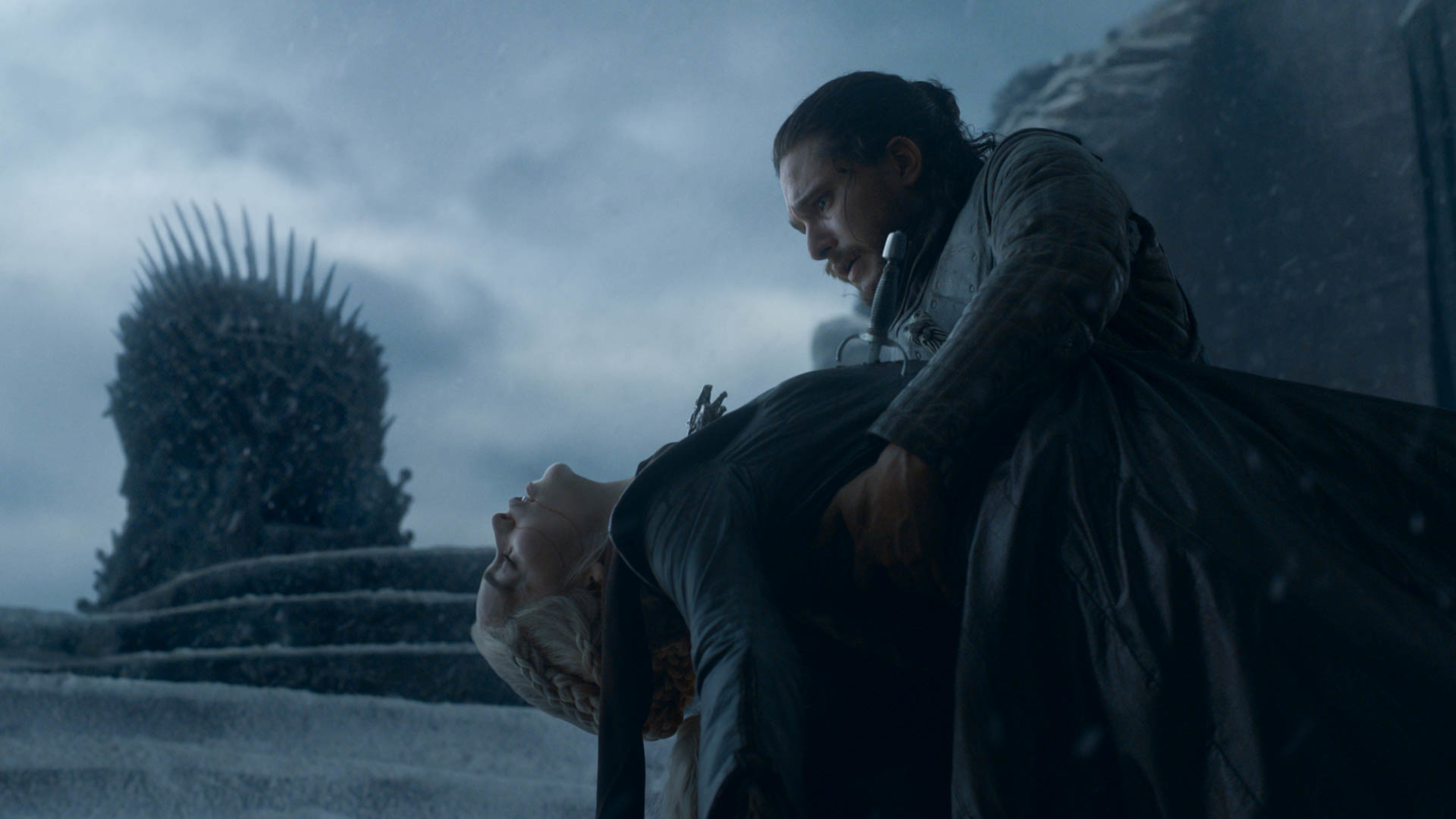 Daenerys Targaryen dies in Jon Snow's arms in the Game of Thrones series finale