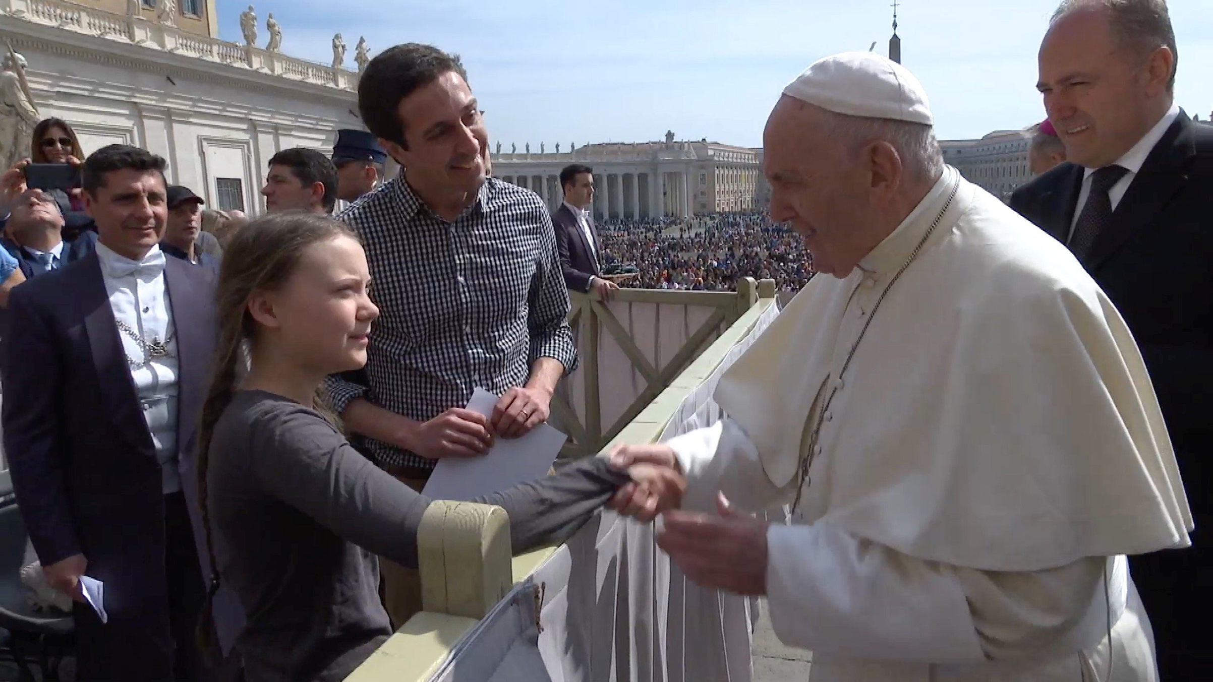 Thunberg greeting Pope Francis on April 17