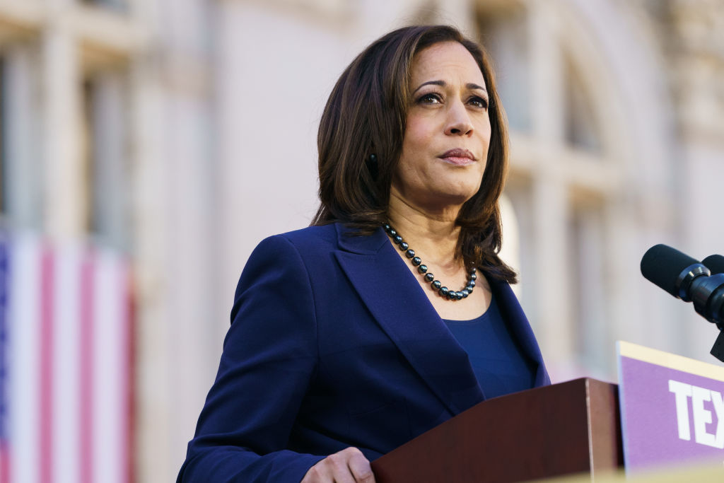 Senator Kamala Harris (D-CA) speaks to her supporters during her presidential campaign launch rally in Frank H. Ogawa Plaza on January 27, 2019, in Oakland, California.