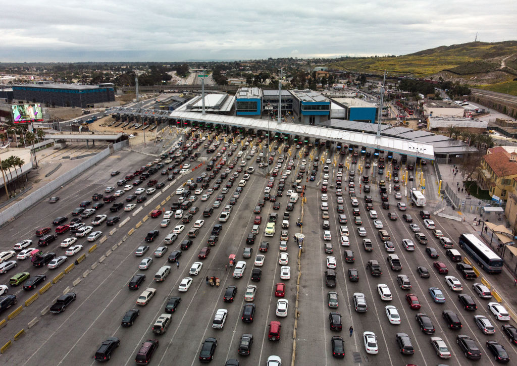 Cars line up at the San Ysidro crossing port to cross from Tijuana in Mexico to San Diego in the US on April 4, 2019.