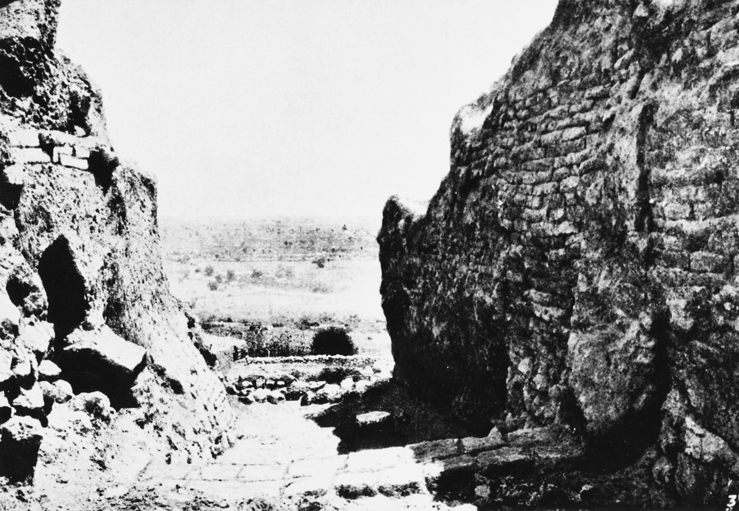 Walls in the ancient city of Jericho, during the 1907 - 1909 excavations of Tell es-Sultan and Tulul Abu el-'Alayiq by German archeologists Ernst Sellin and Carl Watzinger, circa 1909. Original publication: Illustrated London News, Feb. 6, 1909.