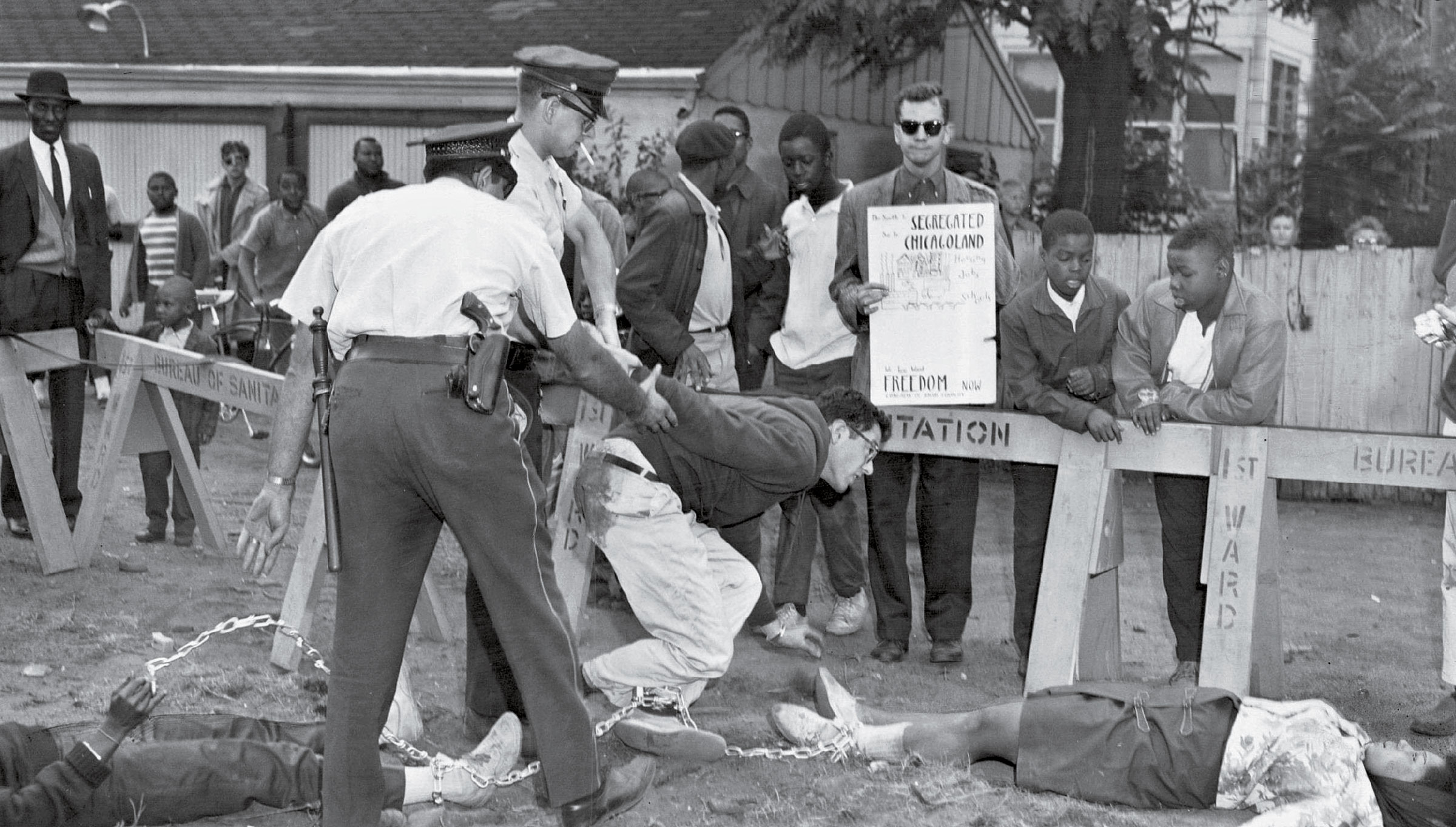 Sanders is arrested at a protest in Chicago in 1963