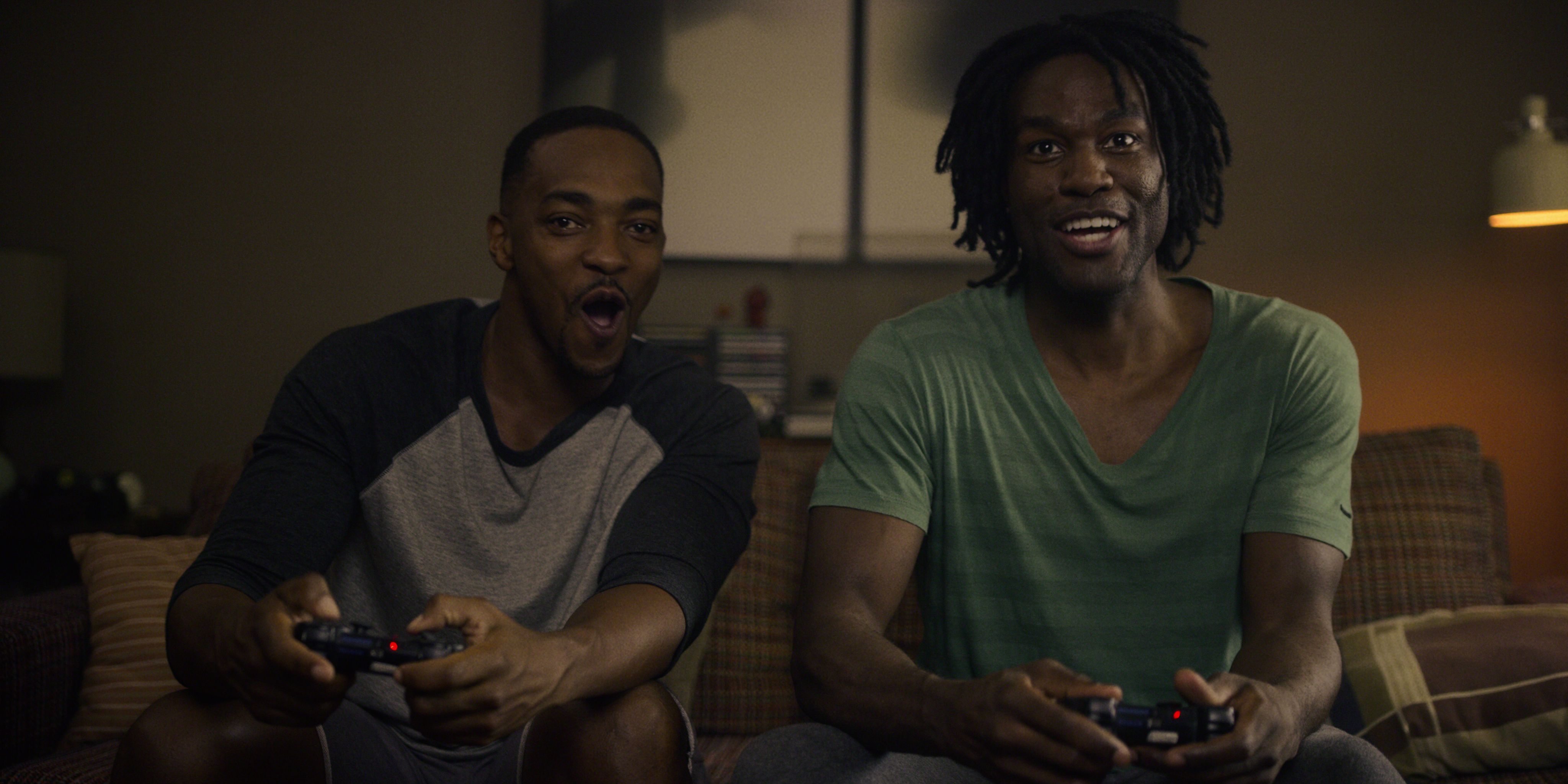 Anthony Mackie and Yahya Abdul-Mateen II play video games in Black Mirror season 5.