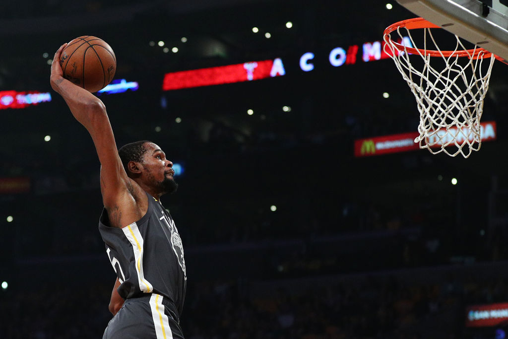 Kevin Durant #35 of the Golden State Warriors dunks the ball against the Los Angeles Lakers during the first half at Staples Center on April 4, 2019 in Los Angeles, California.