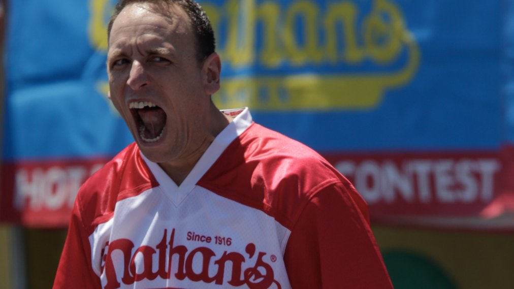 Joey Chestnut Claims 12th Title At 2019 Nathan S Hot Dog