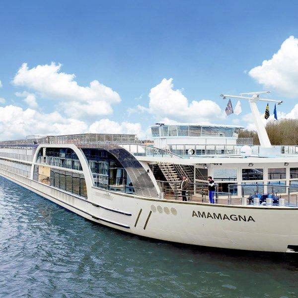 amamagna-cruise-ship
