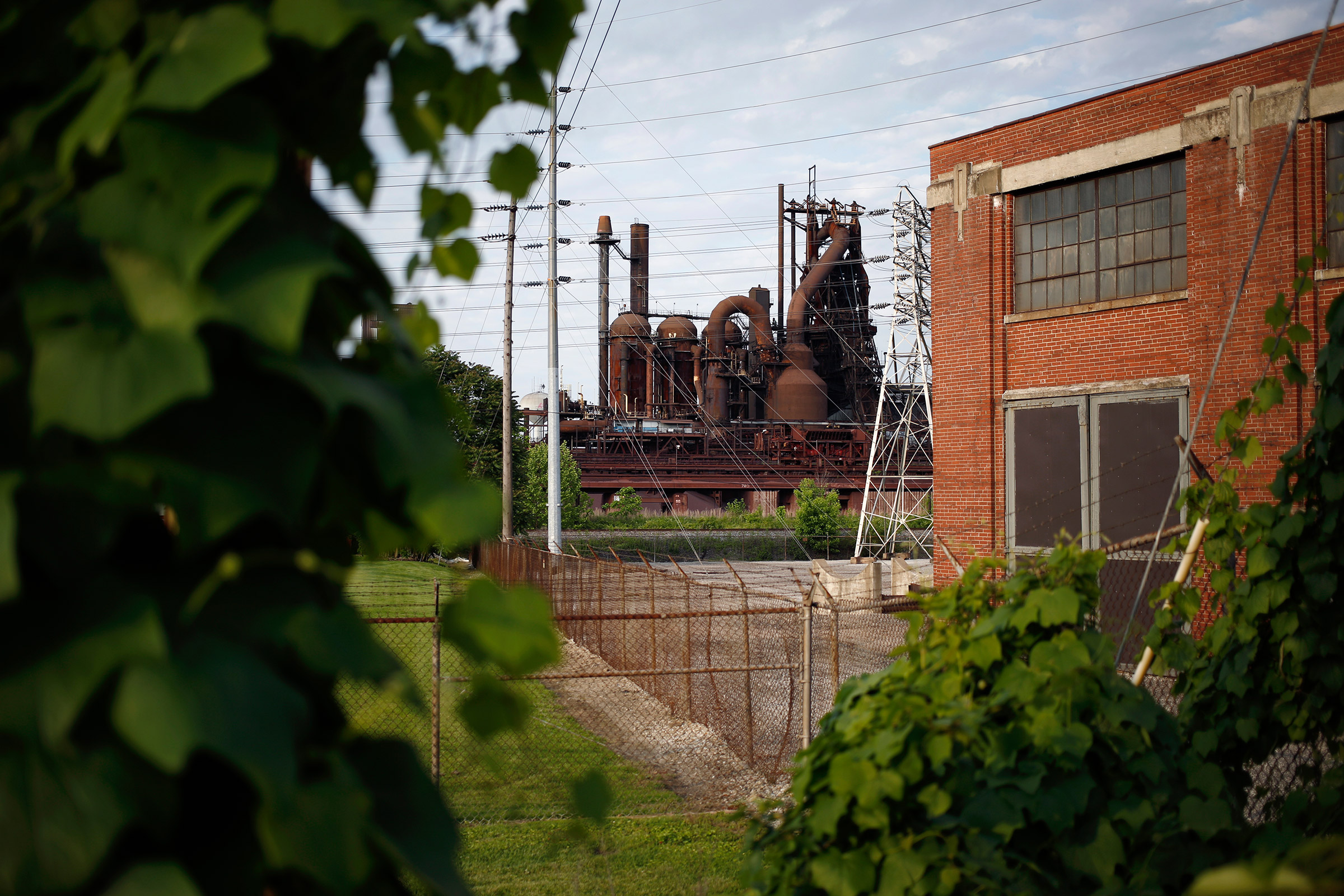 An idled blast furnace in Ashland, Ky., where Russian money is behind a new aluminum plant