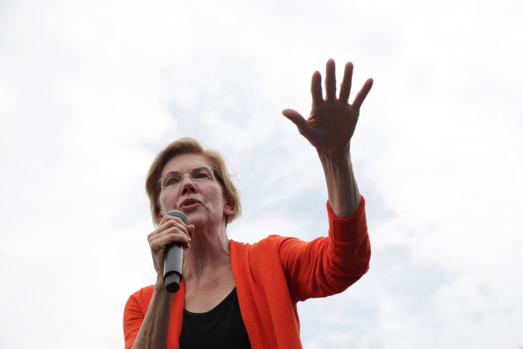 Democratic presidential candidate U.S. Sen. Elizabeth Warren delivers a campaign speech at the Des Moines Register Political Soapbox at the Iowa State Fair on August 10, 2019 in Des Moines, Iowa. (Alex Wong—Getty Images)