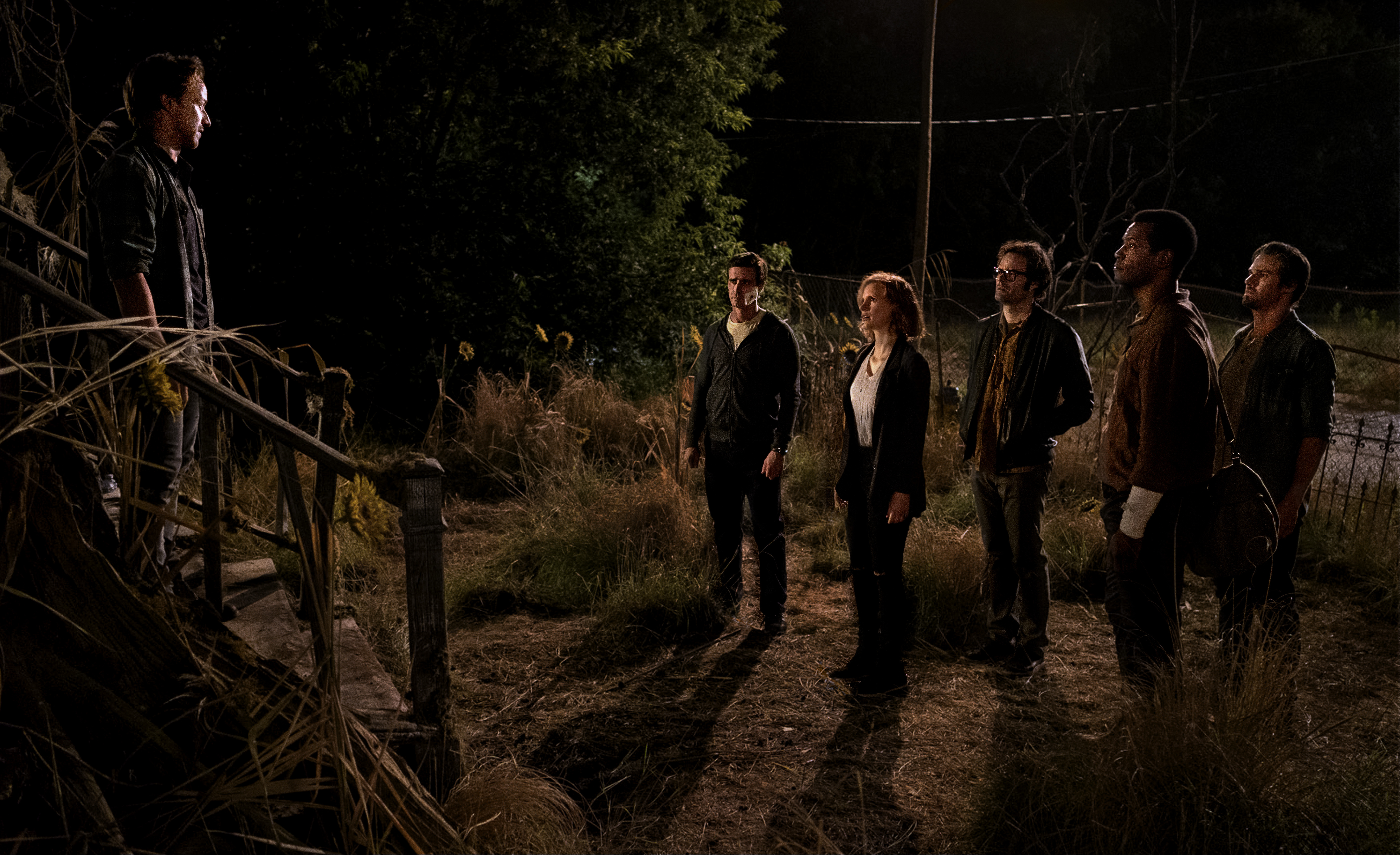(L-r) James McAvoy as Bill Denbrough, James Ransone as Eddie Kaspbrak, Jessica Chastain as Beverly Marsh, Bill Hader as Richie Tozier, Isaiah Mustafa as Mike Hanlon, and Jay Ryan as Ben Hanscom in 'It Chapter Two'