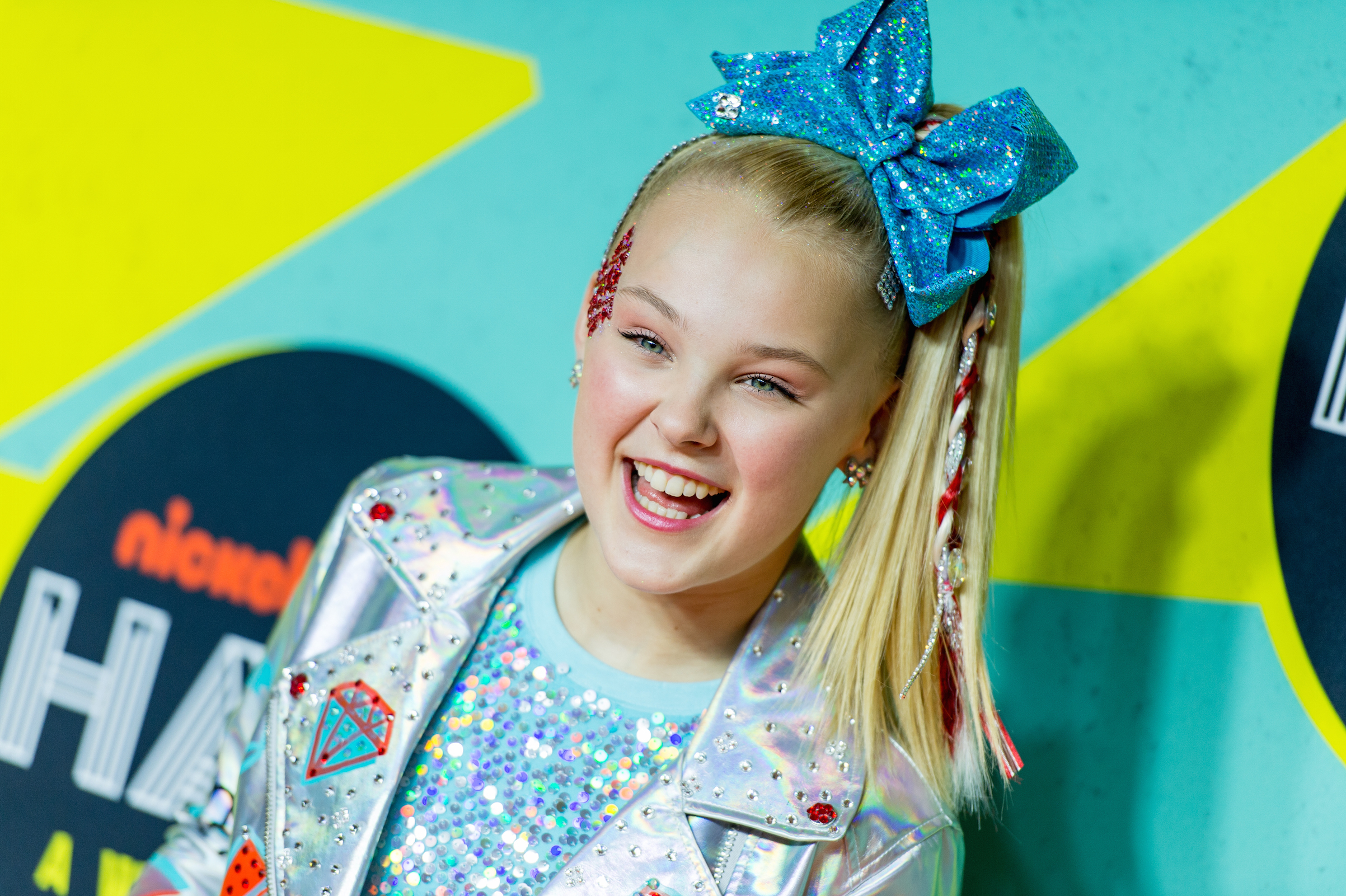 Before Jojo Siwa The Surprisingly Deep Meaning Of Hair Bows Time