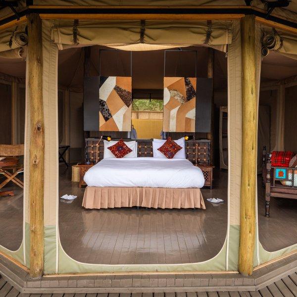 leopard-hill-mara-naboisho-conservancy-kenya