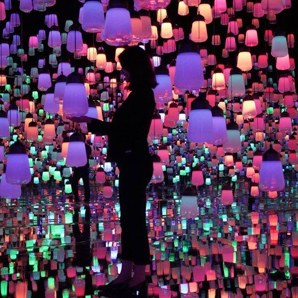 mori-building-digital-art-museum-tokyo-japan