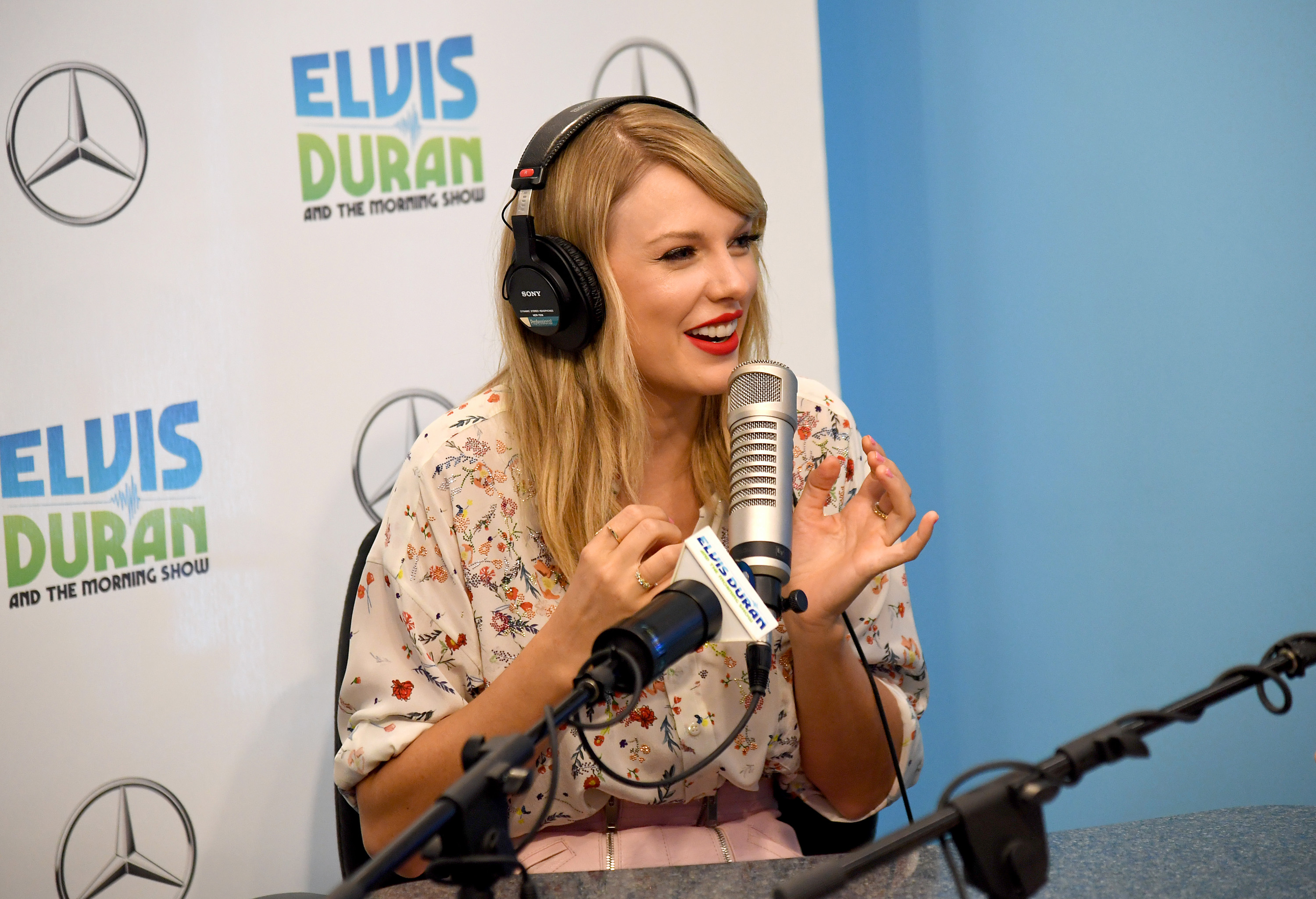 Taylor Swift visits  Elvis Duran And The Z100 Morning Show  at Z100 Studio on August 22, 2019 in New York City. (Photo by Kevin Mazur/Getty Images for ABA)