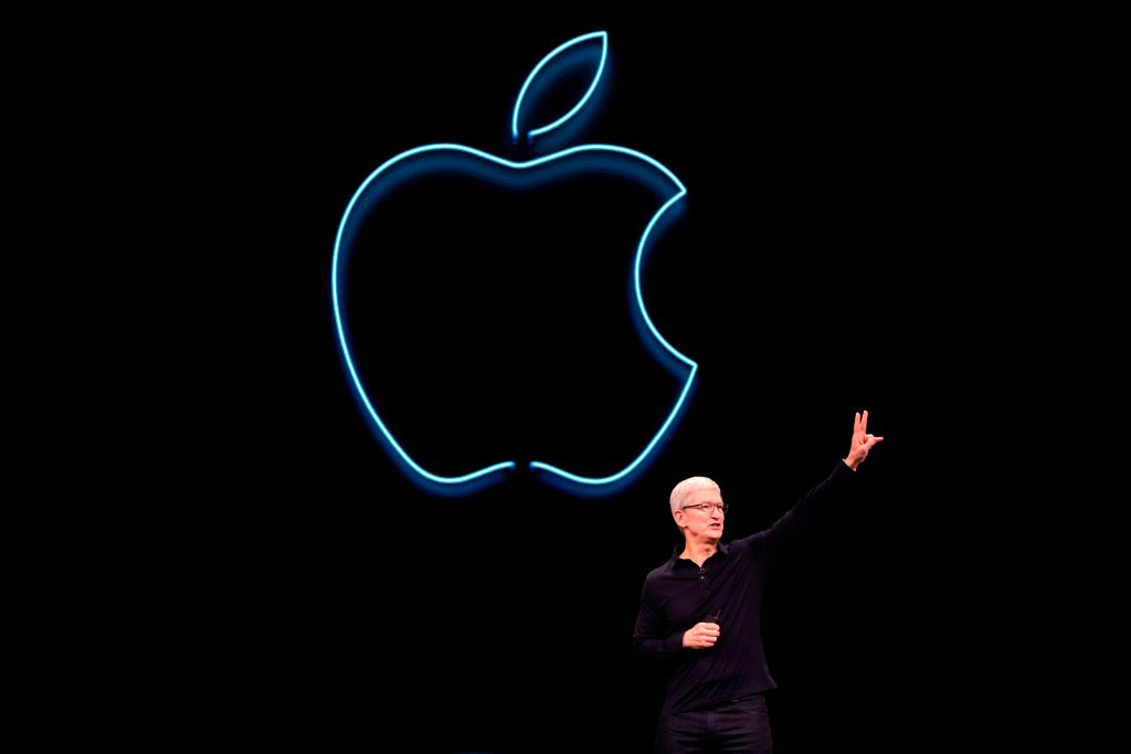 Apple CEO Tim Cook presents the keynote address during Apple's Worldwide Developer Conference (WWDC) in San Jose, California on June 3, 2019. (Photo by Brittany Hosea-Small / AFP)        (Photo credit should read BRITTANY HOSEA-SMALL/AFP/Getty Images)