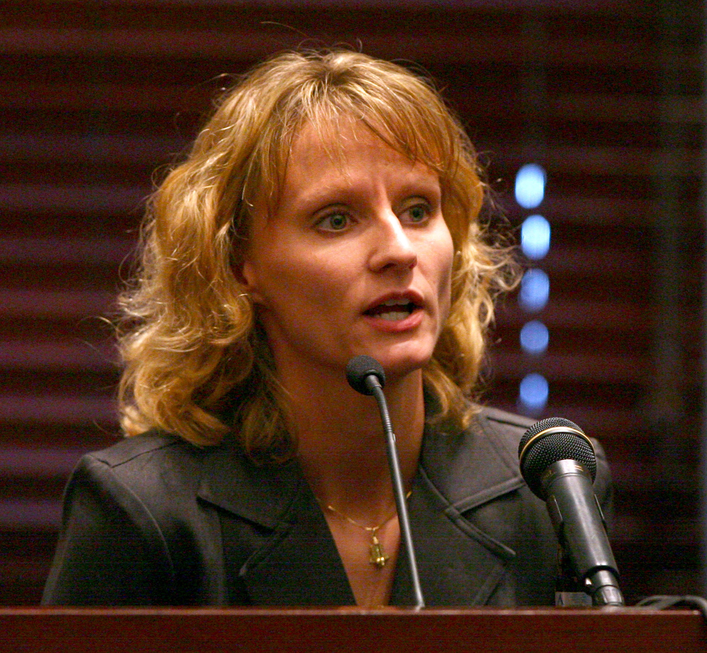 Air Force Capt. Colleen Shipman testifies at the hearing for former NASA astronaut Lisa Nowak, Friday, August 24, 2007, at the Orange County courthouse in Orlando, Florida.