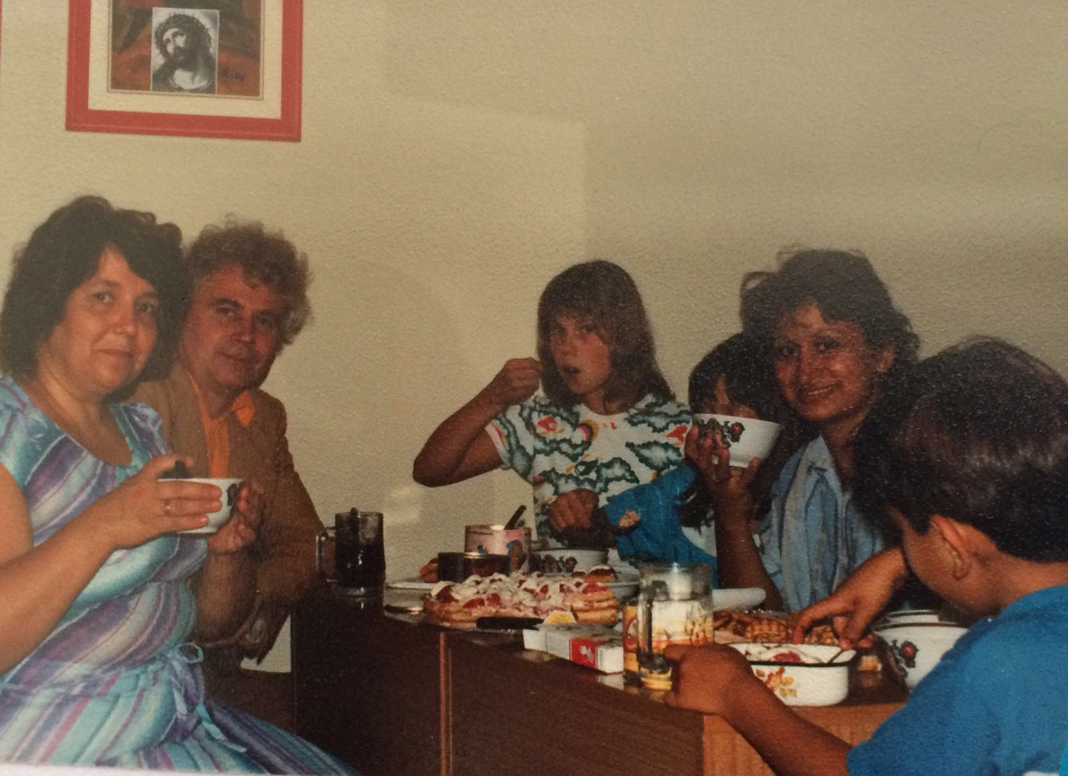 Dina's mother with Russians in an Italian refugee camp in 1989.