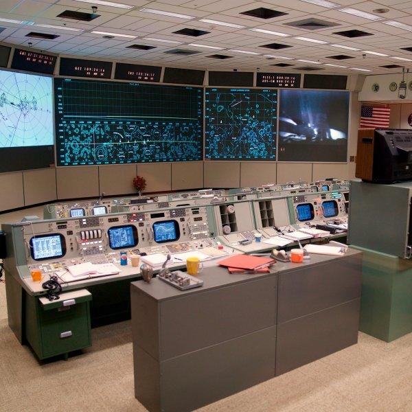 apollo-mission-control-center-nasa-johnson-space-houston-texas