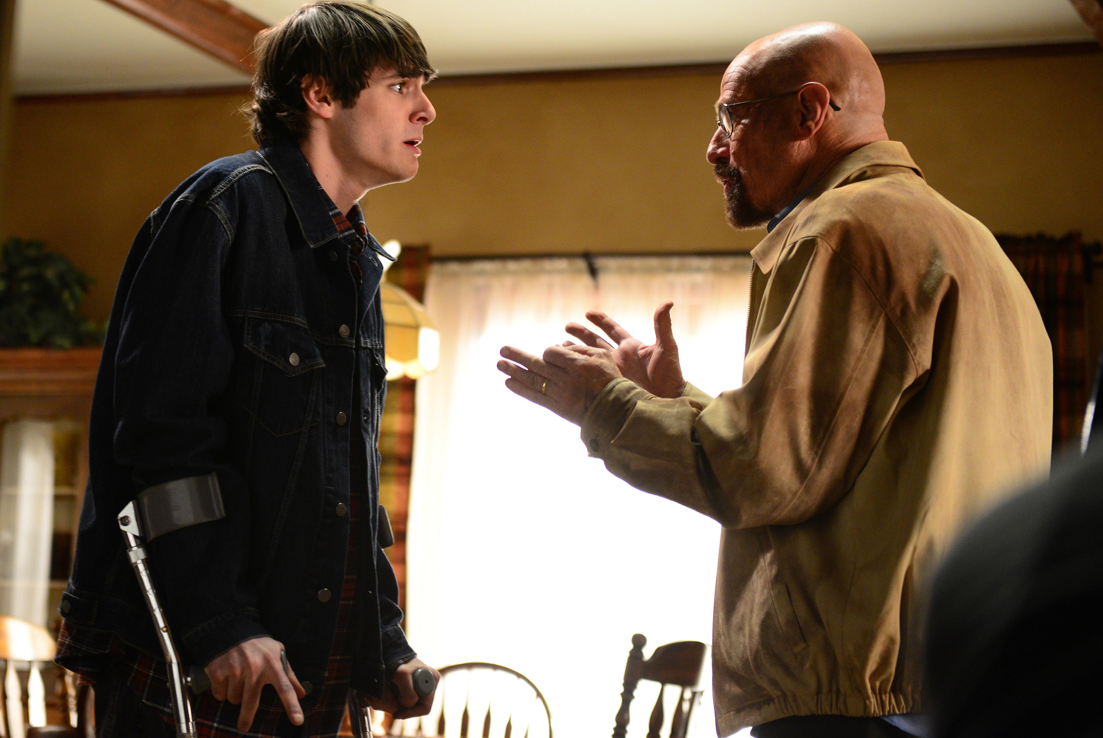 RJ Mitte as Walter White, Jr. and Bryan Cranston as Walter White in Breaking Bad Season 5, Episode 14