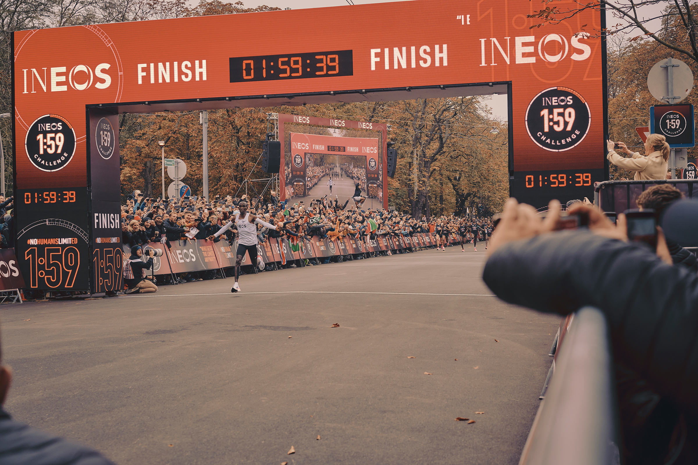Kipchoge crosses the finish line in Vienna on Oct. 12.