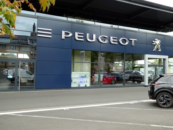 The Car Company >> Why Fiat Chrysler Is Merging With French Carmaker Peugeot Time