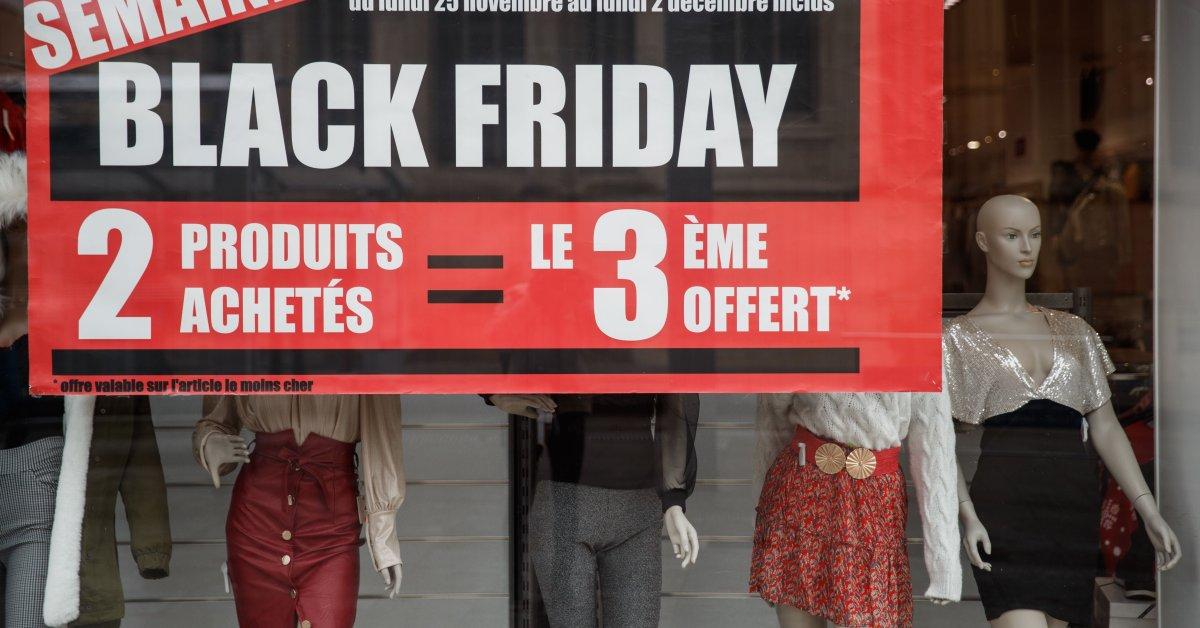 «Остановите перепроизводство!» Французские активисты и законодатели по климату хотят запретить «черную пятницу» thumbnail