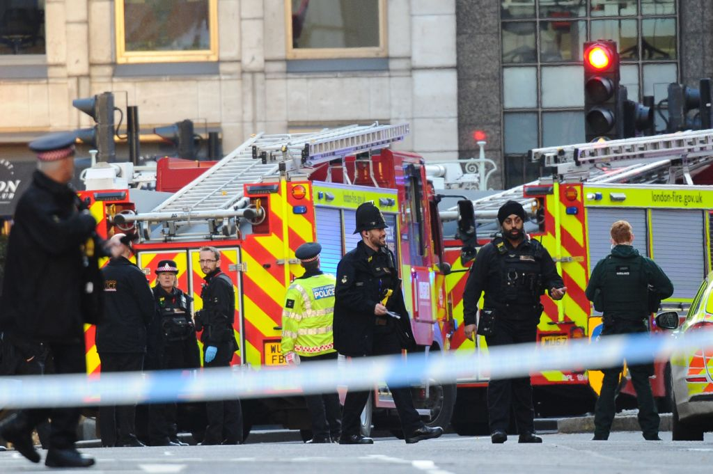 Police and emergency vechiles gather near London Bridge in London, on November 29, 2019 after reports of shots being fired on London Bridge.