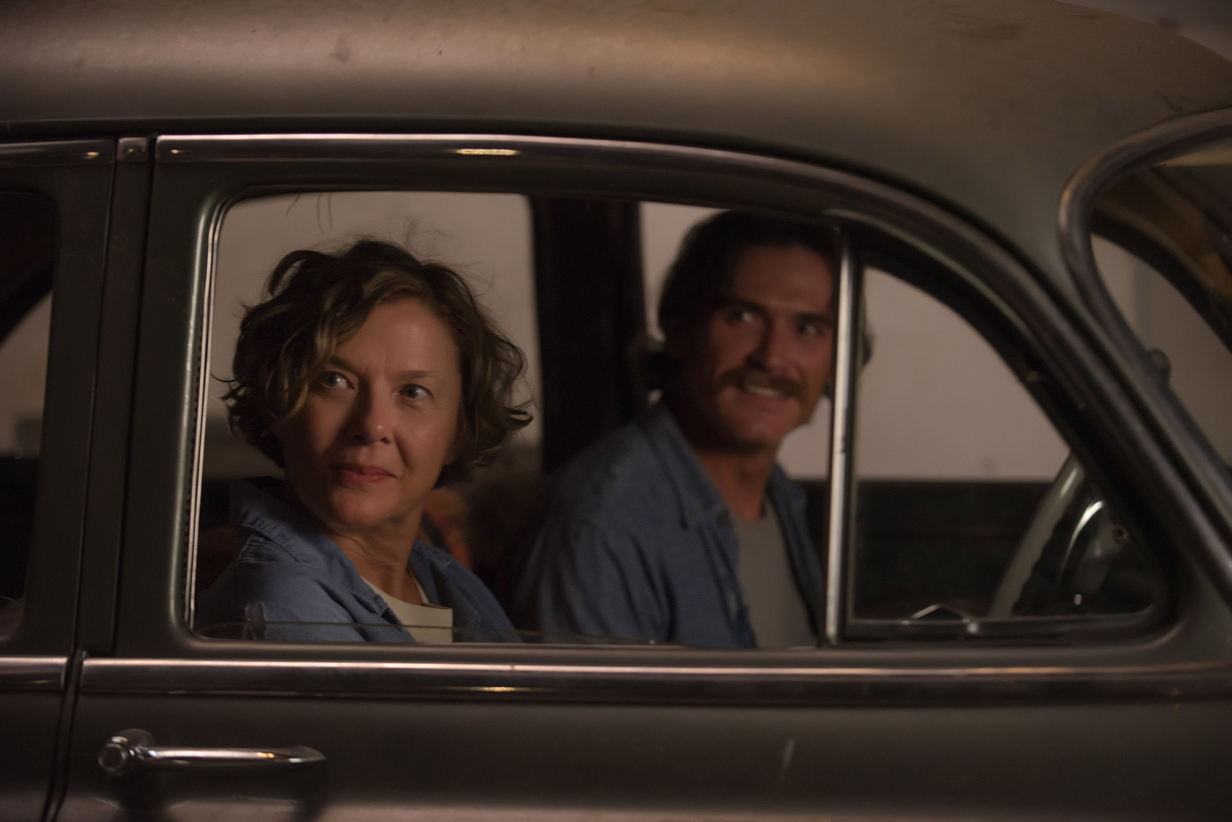 (L-R) Annette Bening and Billy Crudup in 20th Century Women.