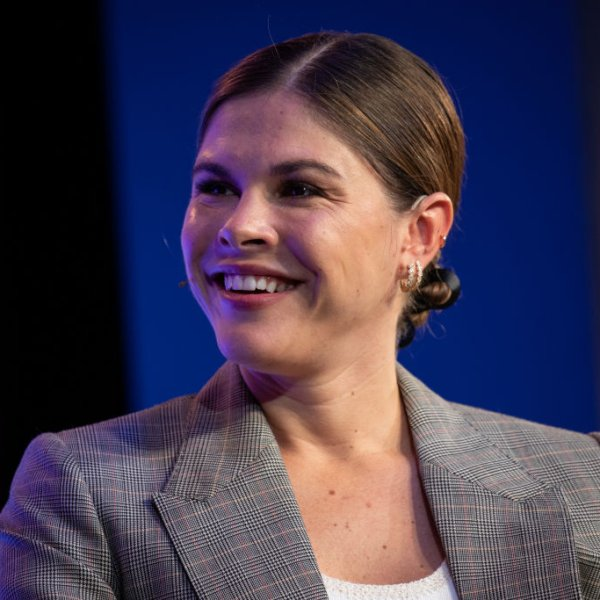emily weiss toast time 100