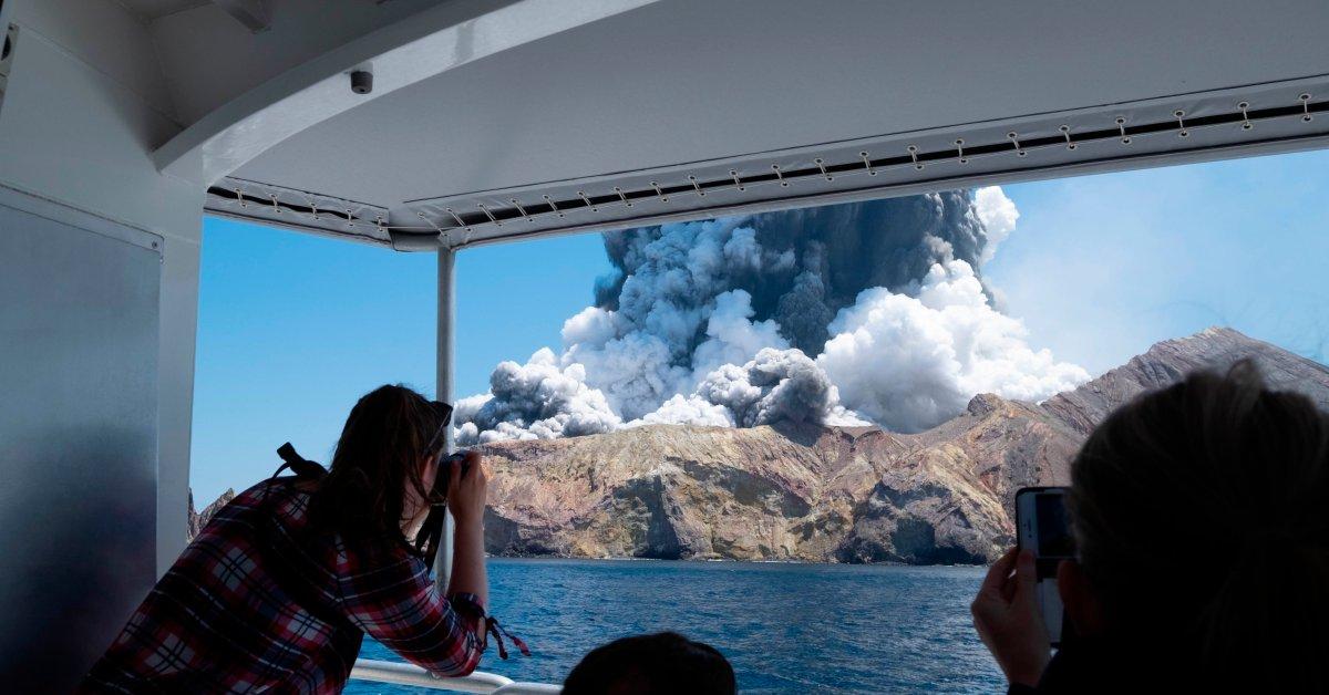Усиление вулканической активности на Новозеландском острове Уайт препятствует восстановлению тел thumbnail