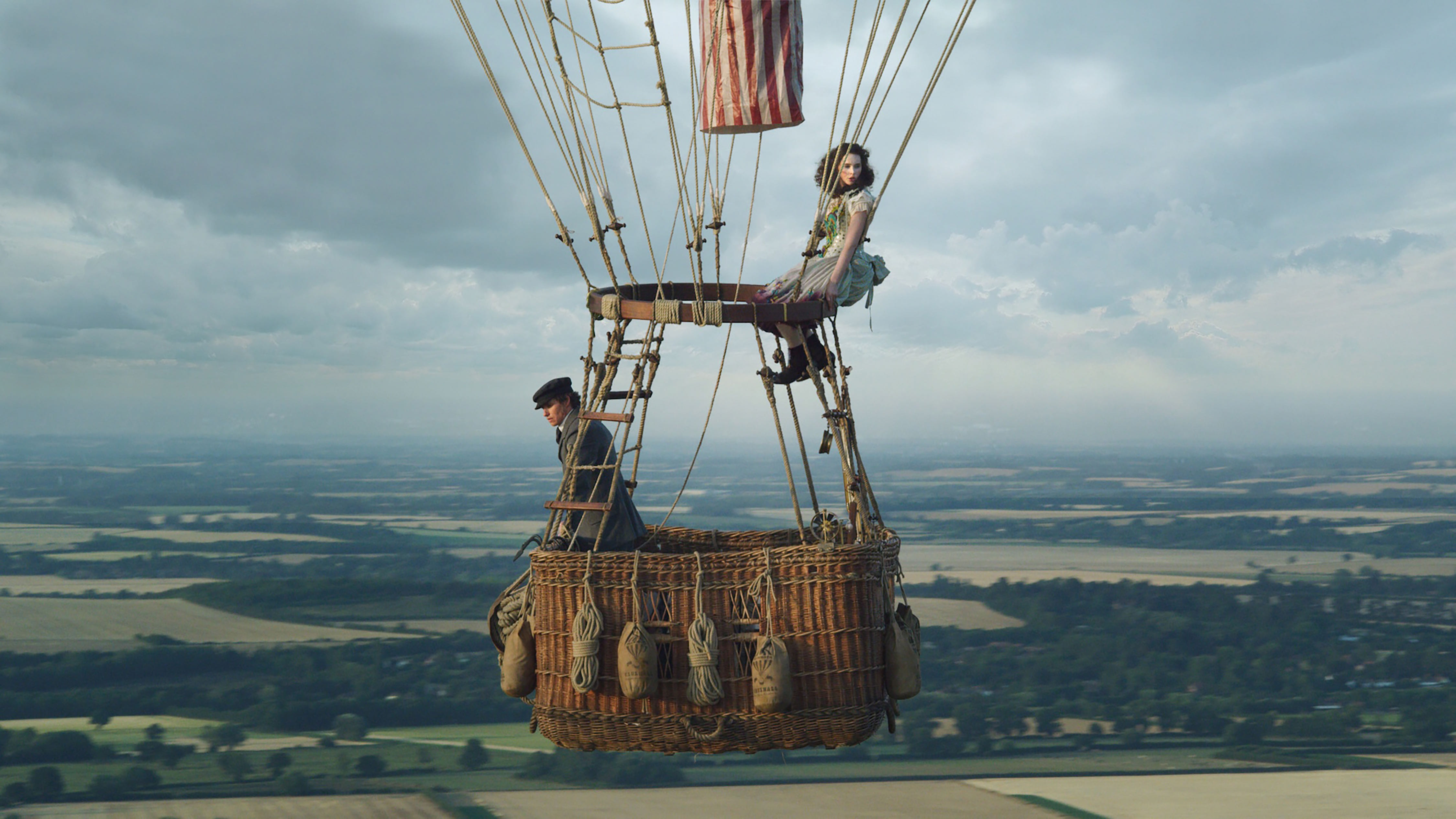 Eddie Redmayne and Felicity Jones in 'The Aeronauts'