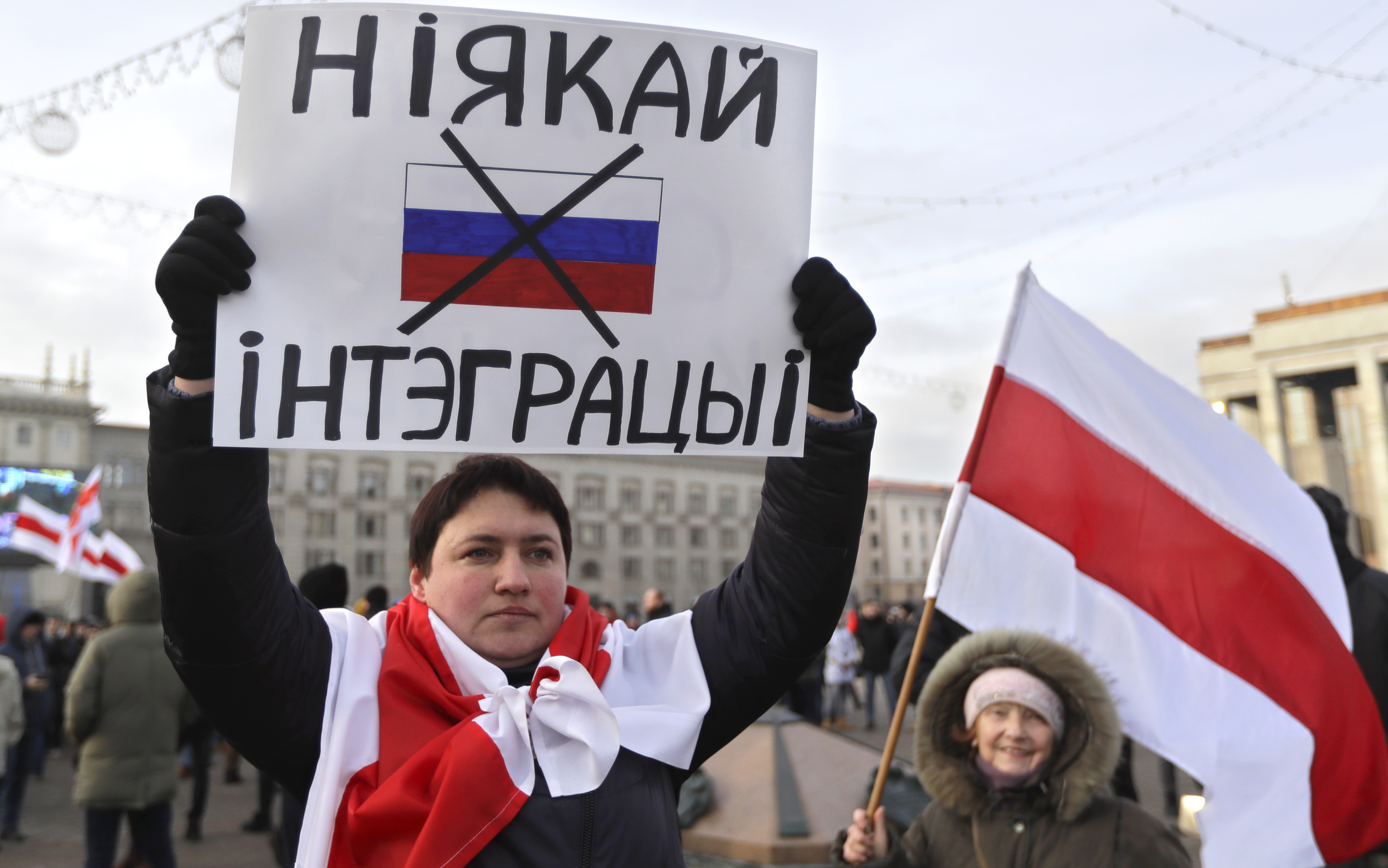 Protests Erupt as Russia Seeks Closer Ties With Belarus