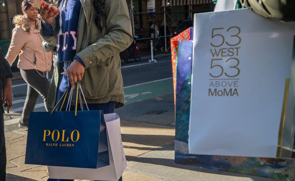 Продажи онлайн составляют большую часть общего праздничного шоппинга еще раз thumbnail