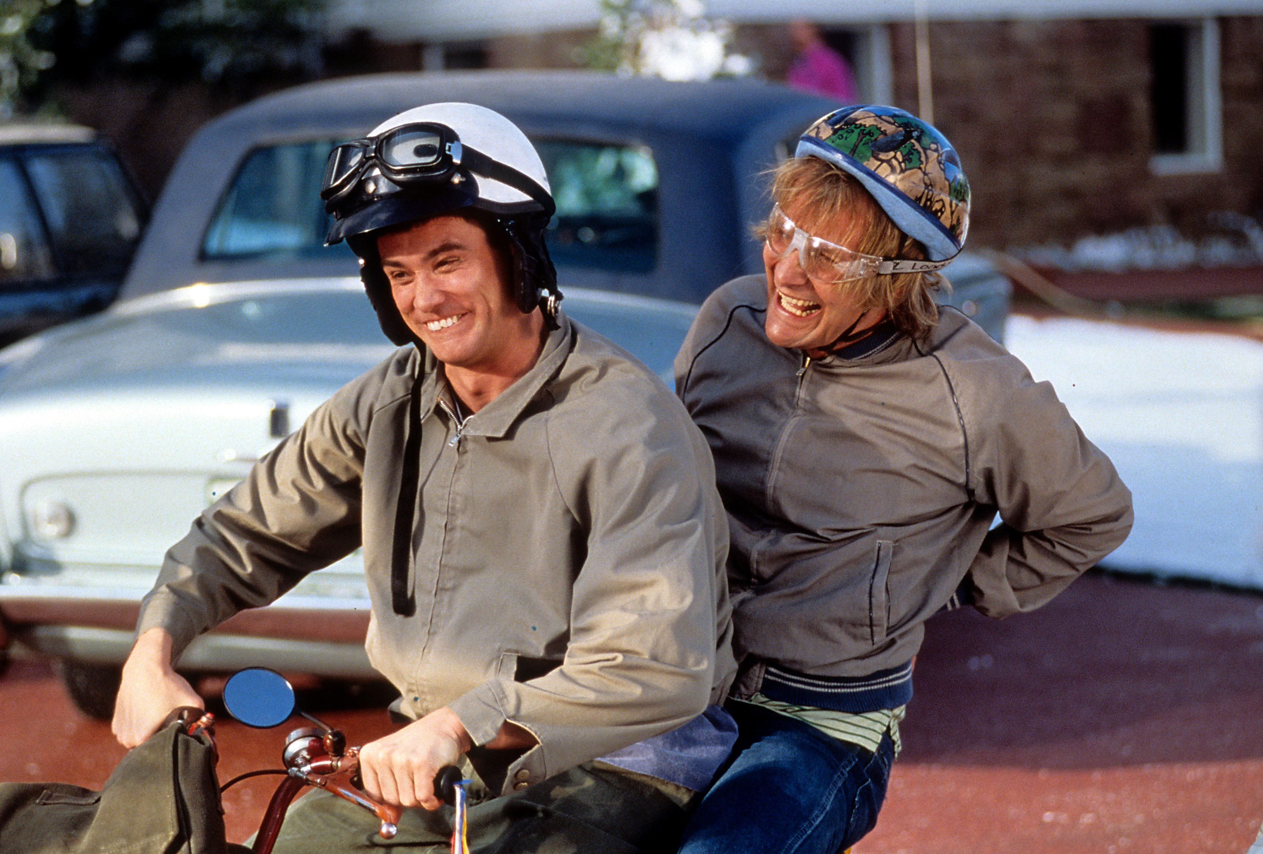 Jim Carrey and Jeff Daniels in 'Dumb & Dumber', 1994.