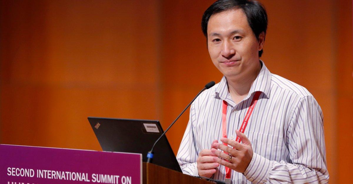 Исследователь, который возглавлял группу генетически отредактированных детей, приговоренных к тюремному заключению в Китае thumbnail