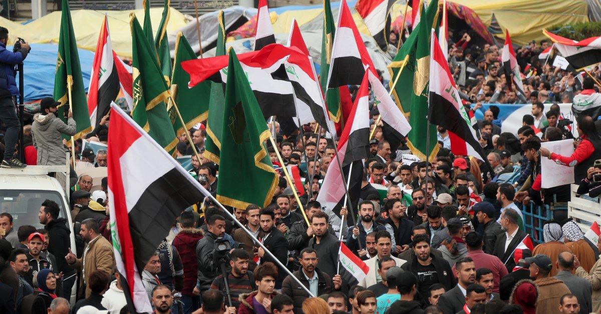 15 человек погибли в столице Ирака, когда боевики открыли огонь на фоне нападений на протестующих thumbnail