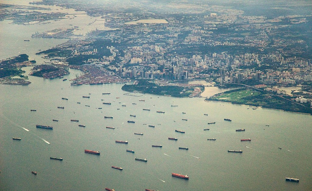 Пираты атаковали 5 кораблей за 4 дня в Сингапурском проливе thumbnail