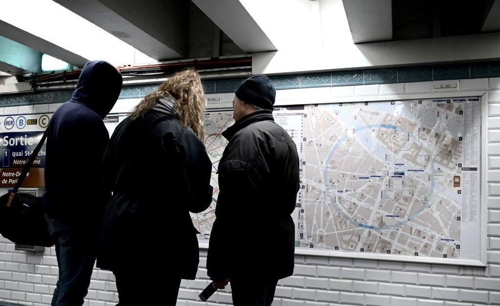Массовый удар по пенсиям мешает транспортировке по всей Франции thumbnail